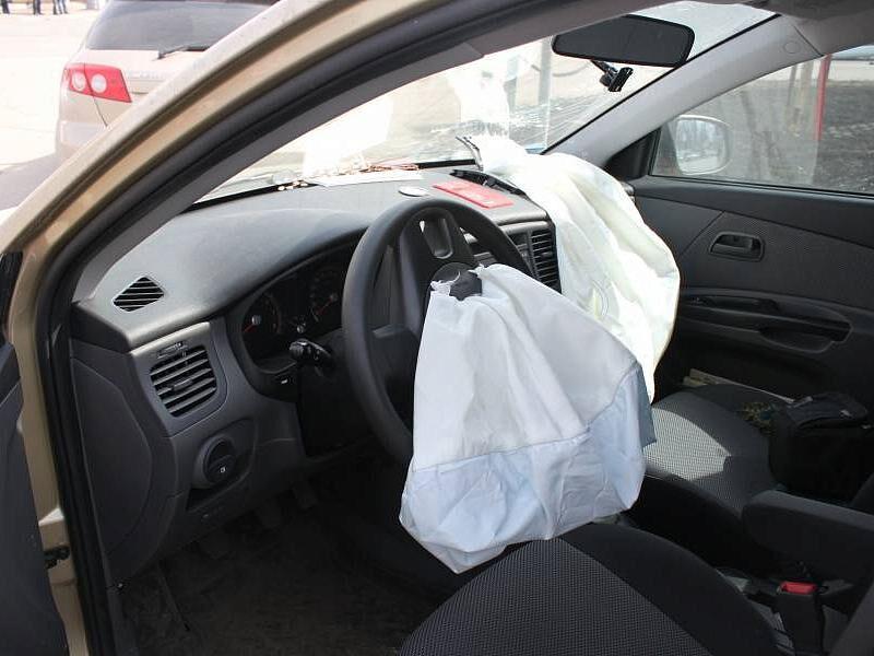 объем бака форд фокус 2