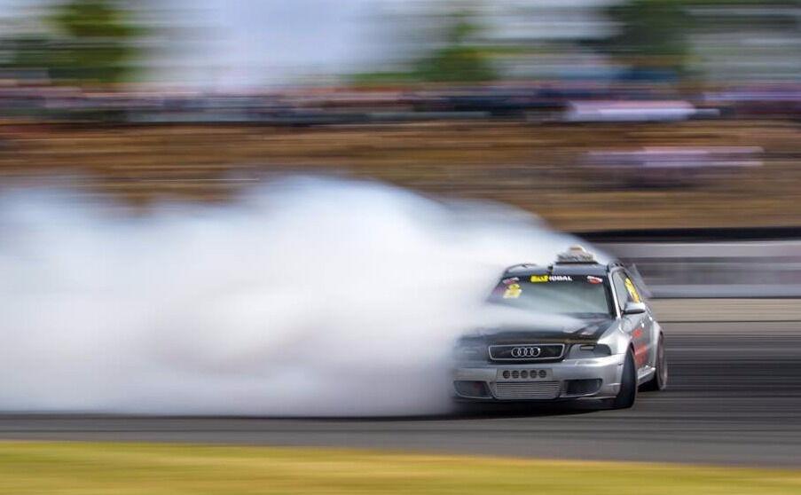 Audi RS4 двигатель мощностью больше 1000 л.с.