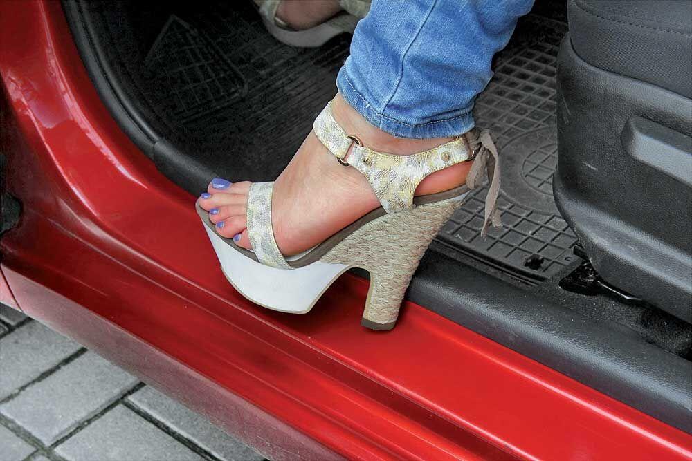 Как защитить пороги автомобиля от сколов и царапин: Подкаблучники ...