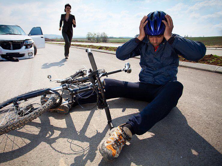 Автомобиль против велосипеда: кто прав, кто виноват - Общество .