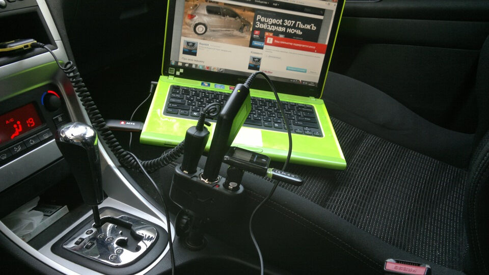 автомобильная зарядка для телефона своими руками