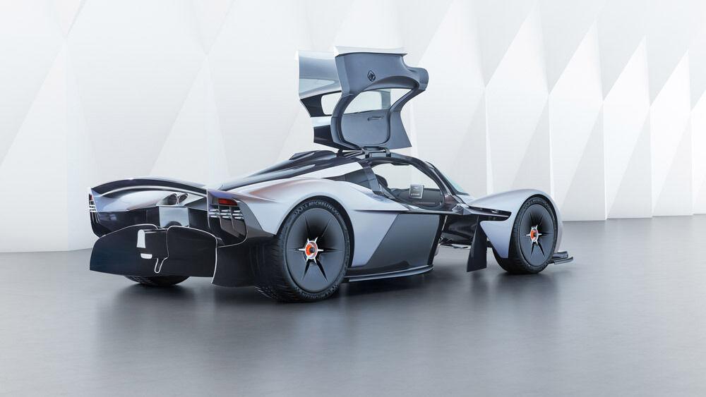 Red Bull Racing Reveals Progress on Aston Martin Valkyrie – Robb Report