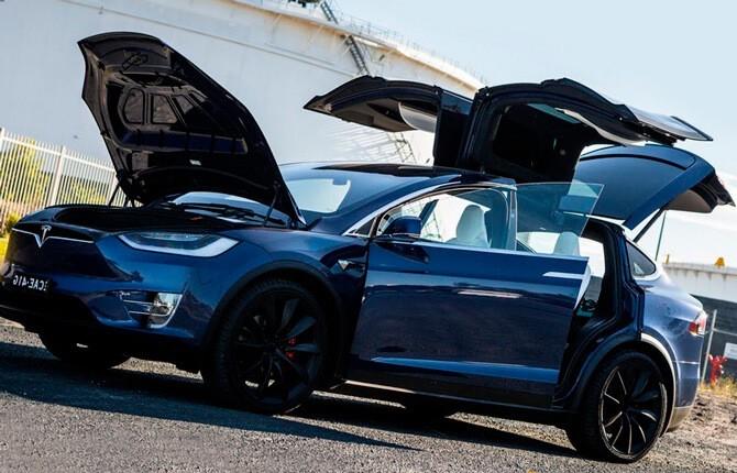 Tesla Model X комплектация