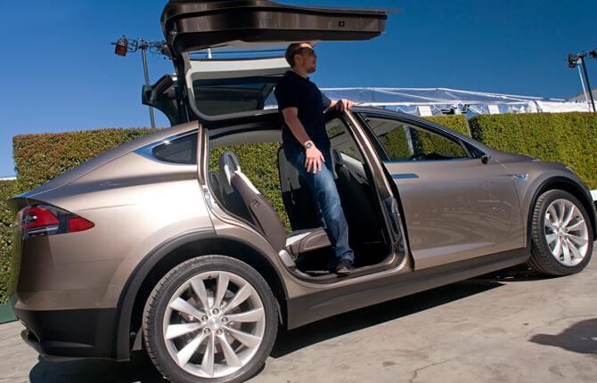 Tesla Model X плюсы и минусы