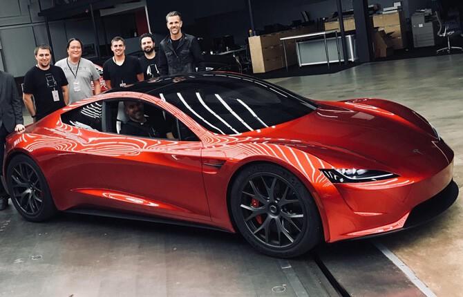 Спортивный электромобиль Tesla Roadster - обзор мощной машины