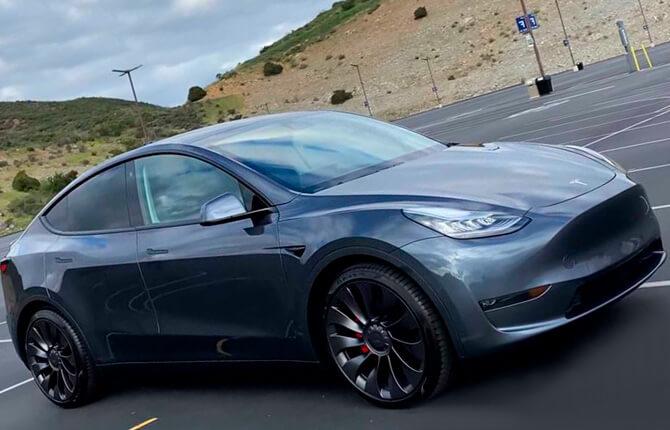 Tesla Model Y внешний вид