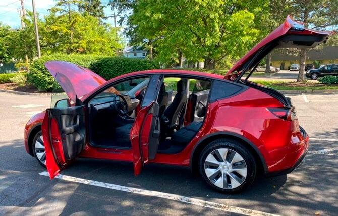 Tesla Model Y комплектации